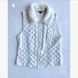 AGB White vest removable collar